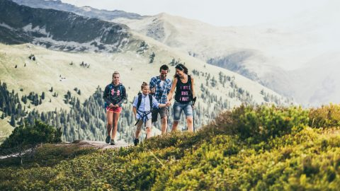 Mit Kind und Kegel in die Berge