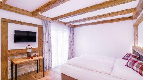 Schlafzimmer Ap 5 Granat