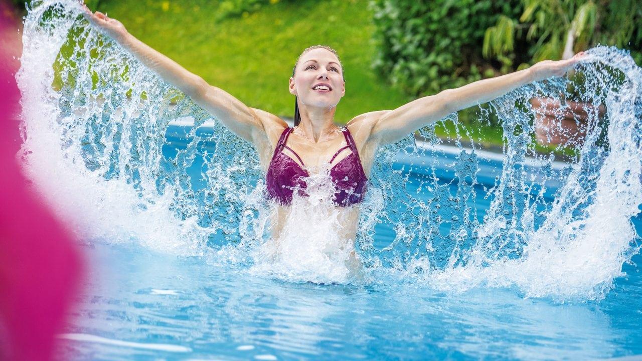 wellness dame pool wasser