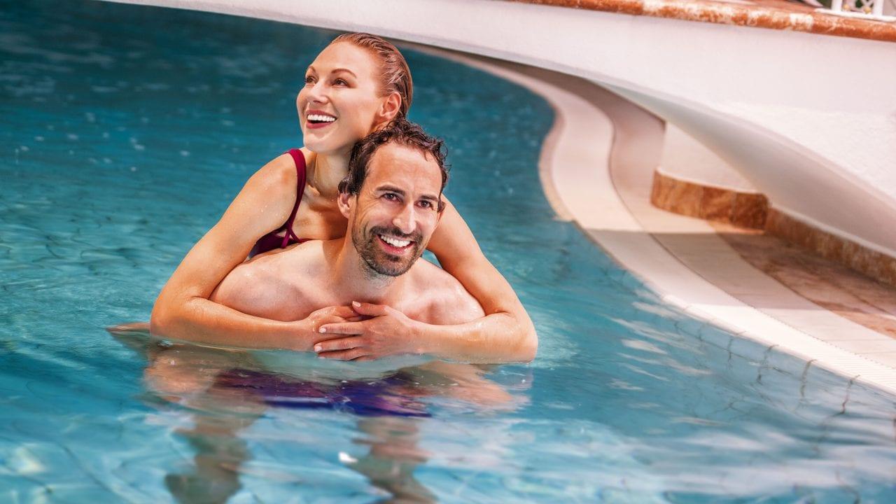 wellness paar pool1