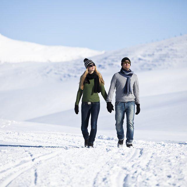 zillertal winterwandern paar1